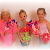3 meisjes met balloncreaties
